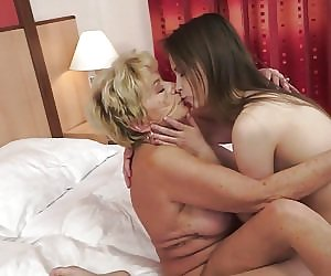 Perfect Lesbian Scissoring Videos