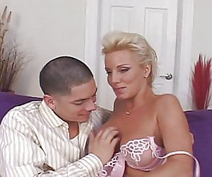 Perfect Milf Cougar Videos