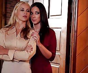 Perfect Lesbian Tribbing Videos